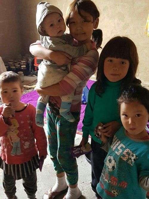 В Актобе обнаружили шестерых детей, живущих без родителей