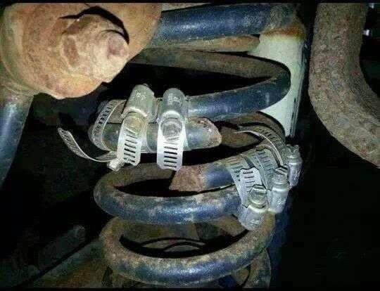 Суровый ремонт автомобилей (27 фото)