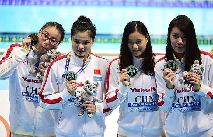 Эмоциональная китайская пловчиха чуть не свела нас с ума