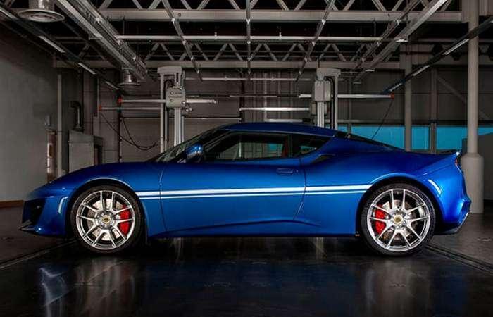 Британский Lotus отметил полувековой юбилей эксклюзивной версией спорткара