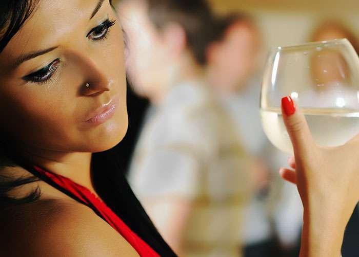 10 типажей девушек, которых можно встретить в любом ночном клубе