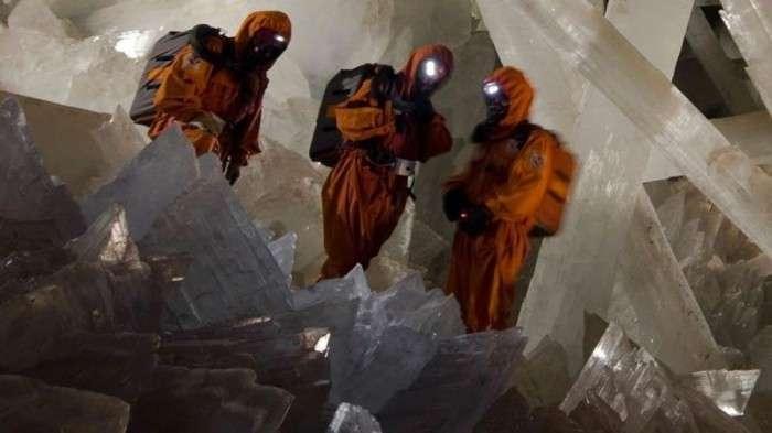 Удивительная мексиканская пещера кристаллов (16 фото)