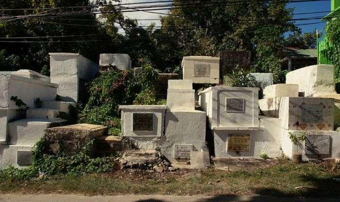 Кладбища в разных странах мира (40 фото)