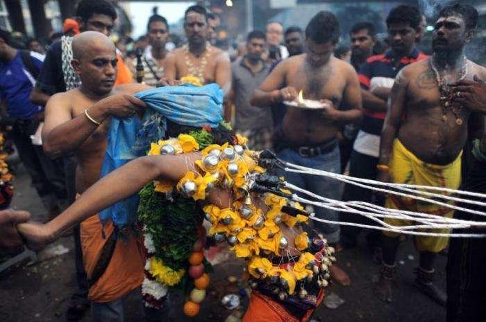 Индусский фестиваль Тхапусам (31 фото)