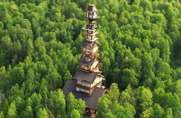 Мужчина в одиночку построил массивную хижину высотой 55 метров в лесах Аляски (10 фото)