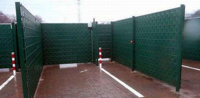 Ящики для любви в Германии (7 фото)