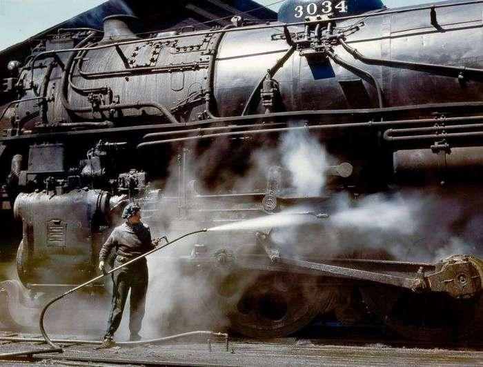 Пыльная и безденежная работа женщин на железной дороге во времена Второй мировой войны