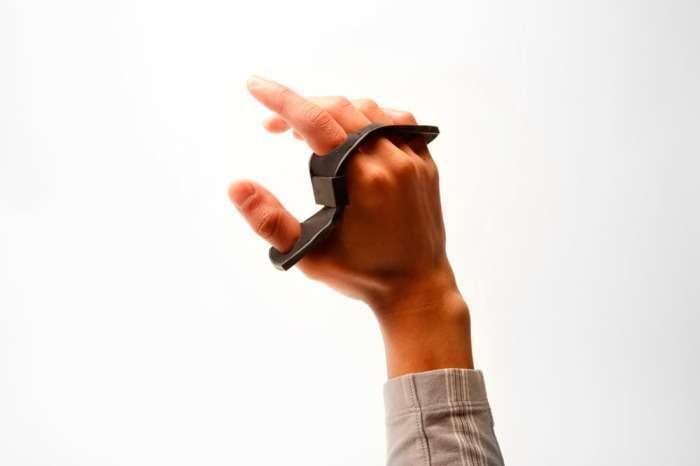 Удивительная клавиатура-кастет для мобильных устройств