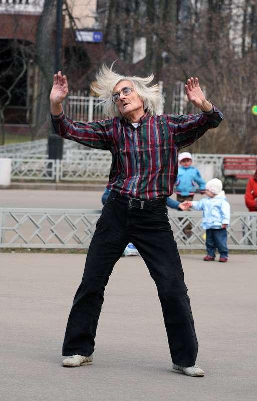 Старички-весельчаки. Жизнь только начинается (18 фото)