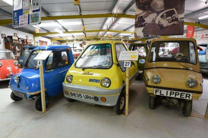 Музей микроавтомобилей в британской глубинке (12 фото)
