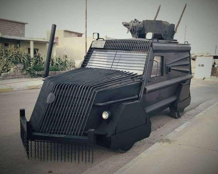 Курдские самодельные танки словно выехали из фильма о