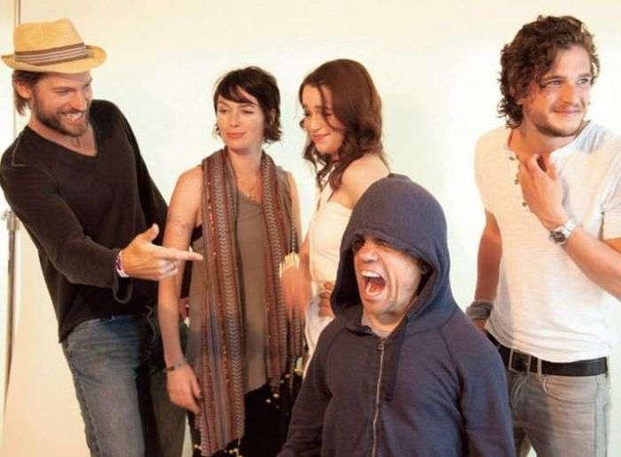Актеры сериала «Игра престолов» за пределами съемок (32 фото)