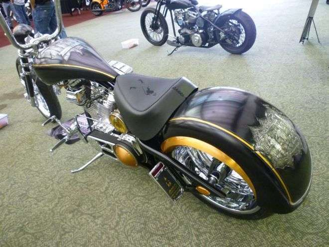 Хобби любителя мотоциклов (21 фото)