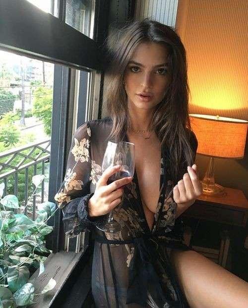 Очаровательная Эмили Ратаковски
