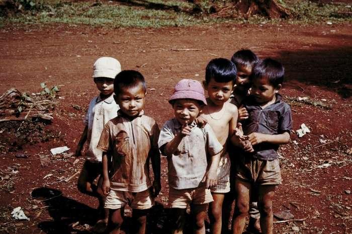 Быт американских солдат во время войны во Вьетнаме (15 фото)