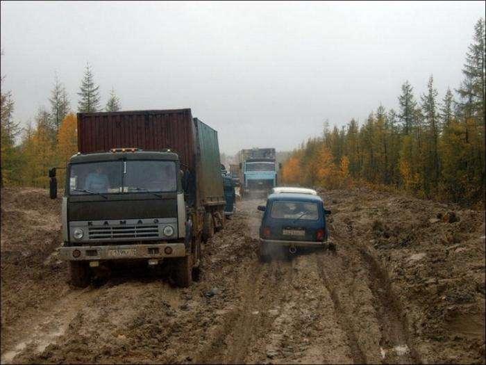 Трасса «Лена» — одна из самых опасных дорог в мире (24 фото)