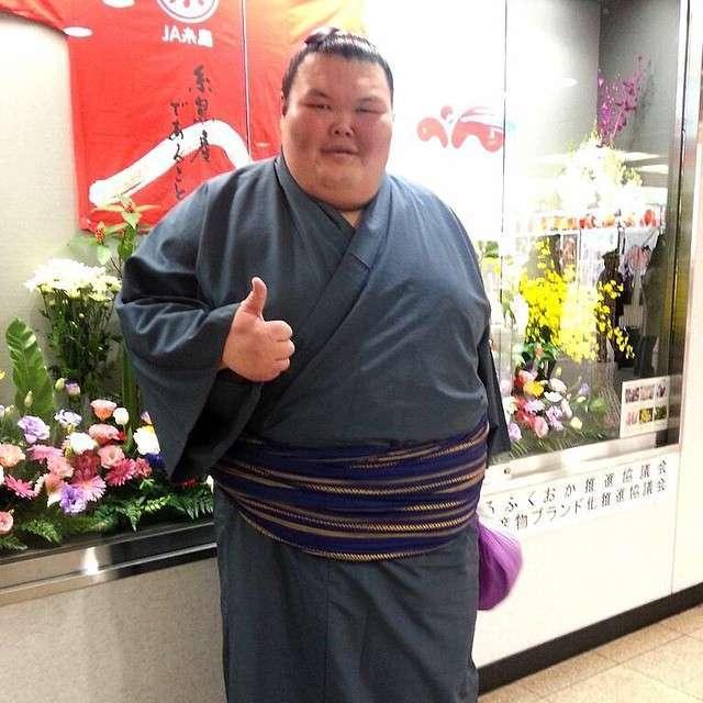 Орора Сатоси - первый профессиональный российский сумоист (18 фото)