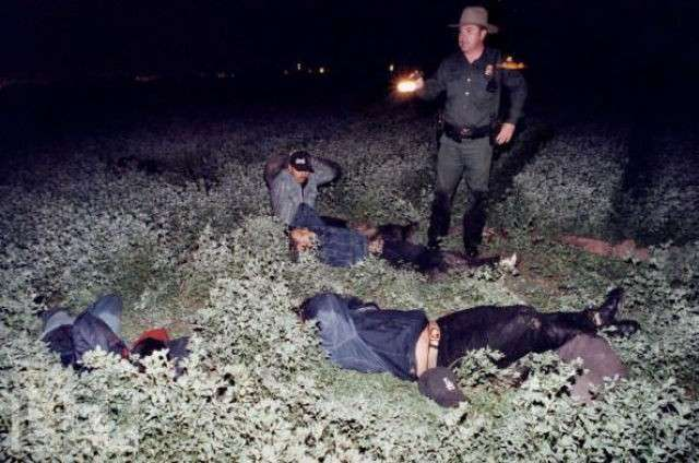 Нелегалы (49 фото)