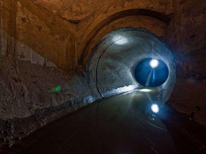 Подземная река в Новосибирске (18 фото)
