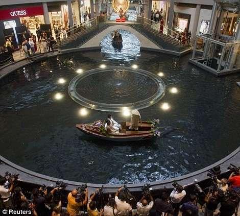 Вот это бассейн (8 фото)