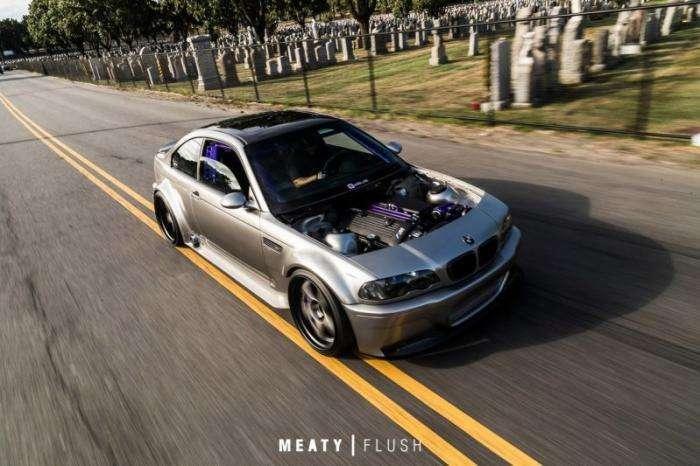 Невероятно крутой BMW M3 E46 с нагнетателем и пневмоподвеской (7 фото)