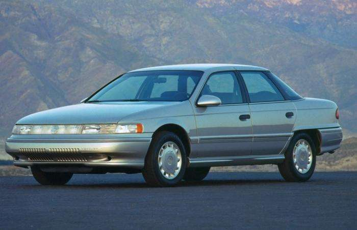 Mercury Sable, сарай для нас, а для американцев не большой автомобиль (7 фото)
