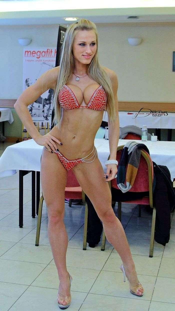 Диа Саламон - фитнес-дива с ногами странной формы