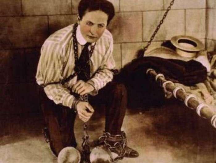 Как на самом деле проделывал свои трюки великий иллюзионист Гарри Гудини