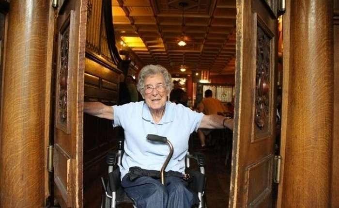 Ей 90 и она наплевала на свой смертельный диагноз