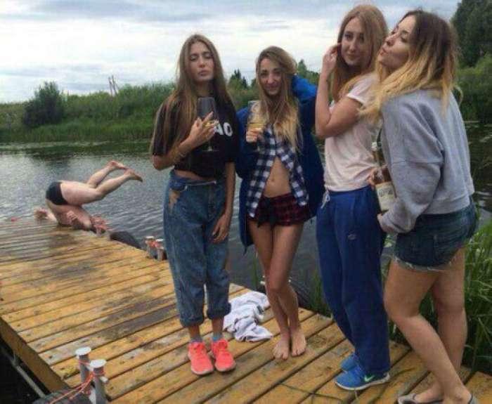 17 позитивных снимков, доказывающих, что всегда найдется тот, кто испортит фотографию