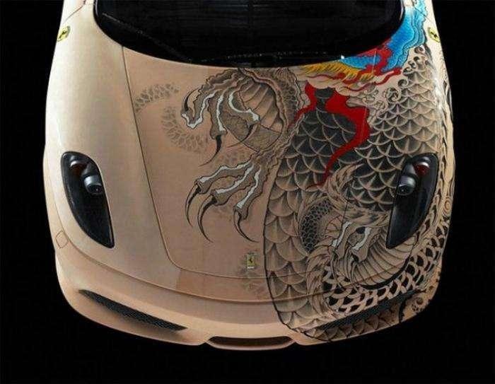 Кожаная Ferrari с татуировками якудзы (8 фото)