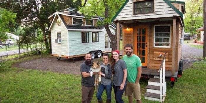 Пара путешествует по США в доме не колесах (21 фото)