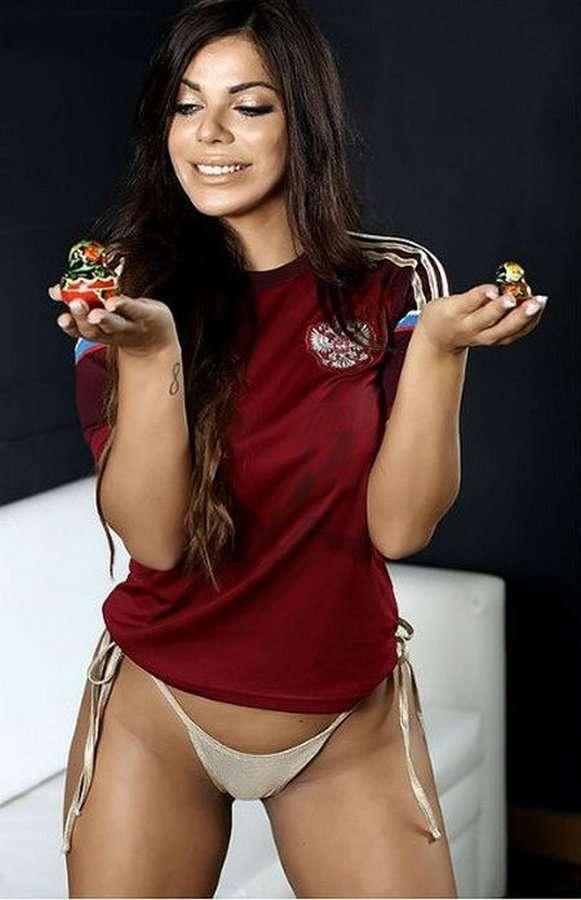 Фотосессия «Мисс Бум-бум-2015» в поддержку российского футбола