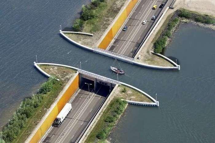 Мост, ломающий все законы физики