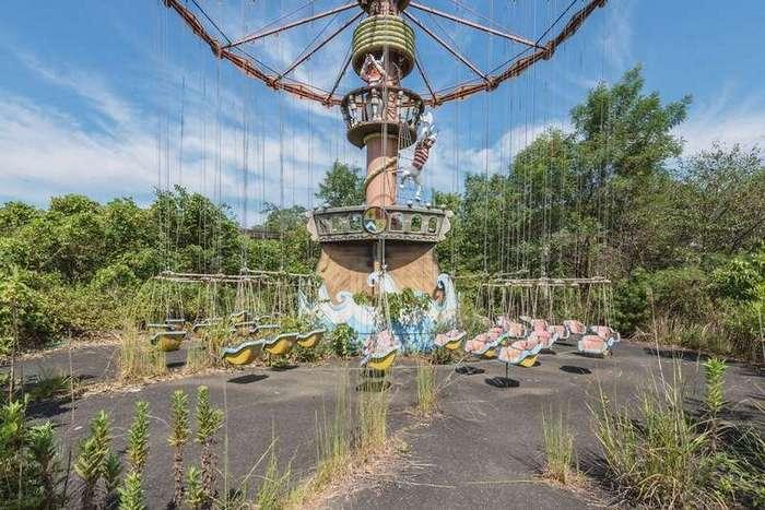 Nara Dreamland — самый известный заброшенный парк развлечений в мире глазами фотографа Ромена Вейлона