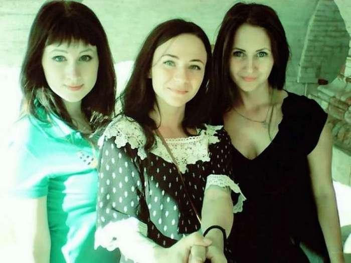 Три подружки едут в Амстердам на девятке