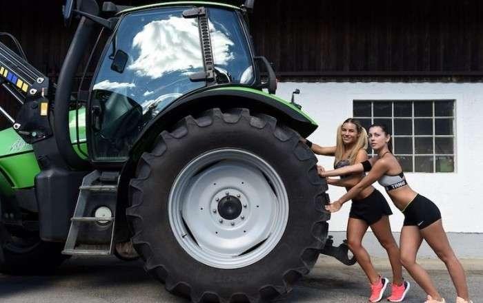 Жены баварских фермеров снялись для календаря (9 фото)