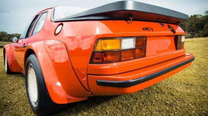 Один из 17-ти Porsche 924 Carrera GTR выставили на продажу (13 фото)