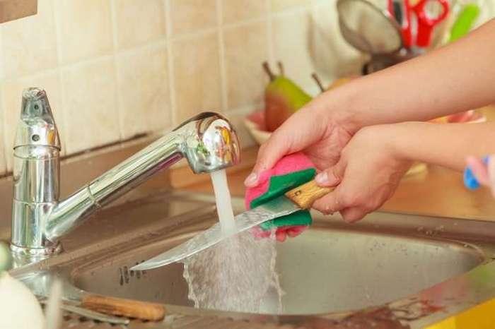 Как почистить лук без слез