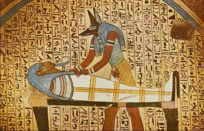 10 необычных погребальных обычаев, которые должны были обеспечить успешную загробную жизнь