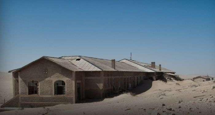Колманскоп - город-призрак на юге Намибии (11 фото)