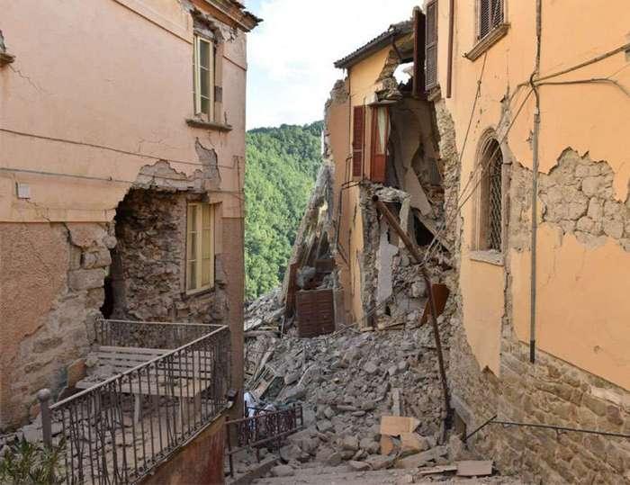 Землетрясение в Италии: фотографии до и после
