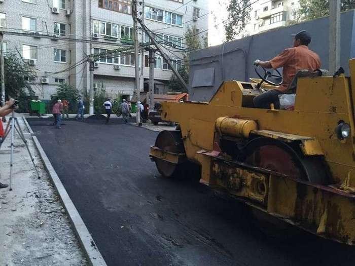 Самовольный ремонт дороги в Астрахани привел к штрафу в 25 тысяч