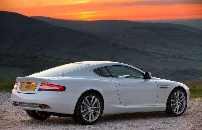 До свиданья, мистер Бонд: Aston Martin DB9 снимают с производства