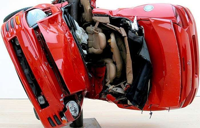Автомобили как искусство: 10 лучших инсталляций, выполненных из машин