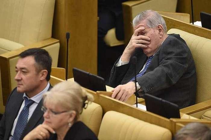 Каково работать депутатом: трудовые будни в ГосДуме