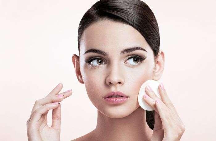 7 ошибок, которые совершают женщины при снятии макияжа