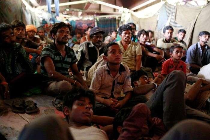 Кинотеатр для бедных в Индии (16 фото)