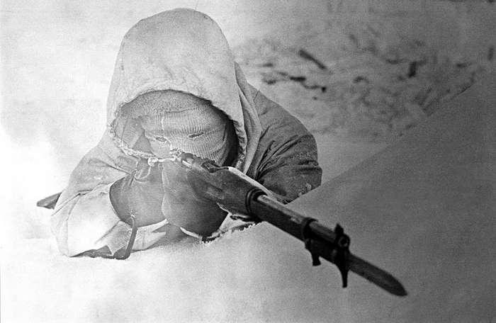 """Снайпер по прозвищу """"Белая смерть"""" и снайпер по прозвищу """"Чёрная смерть"""""""