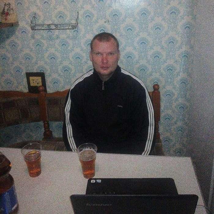 «Мамка готовит, крышу сносит». Инстаграм типичного слесаря из Оренбургской области